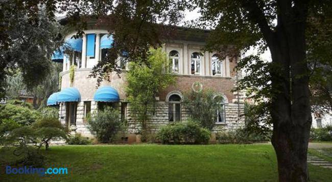 Villa V - Brescia - Building