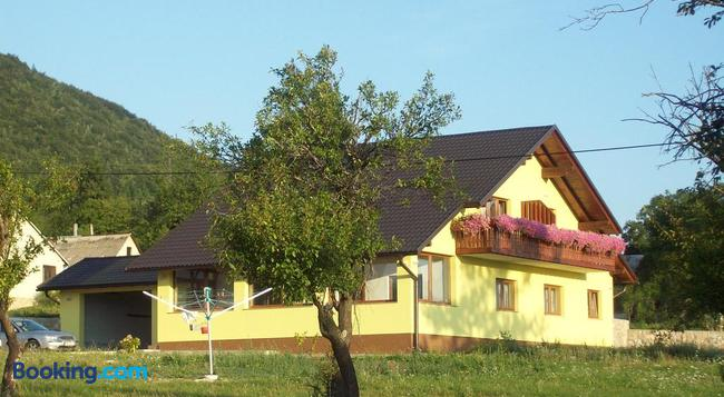 House Mara - Titova Korenica - Building
