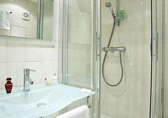 Hotel Soft - Paris - Bathroom