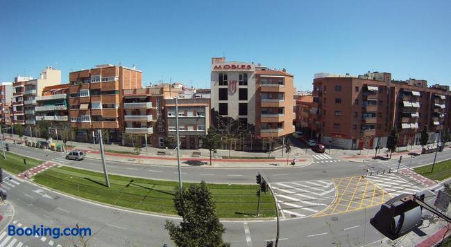 Hostal Restaurante Cornella - Cornellà de Llobregat - Building