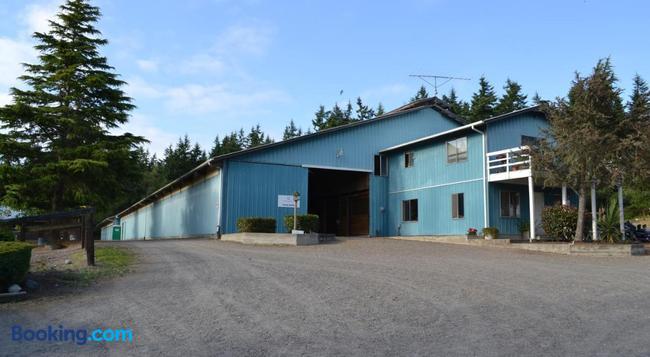 Wildwood Farm Bed & Breakfast - Oak Harbor - Building