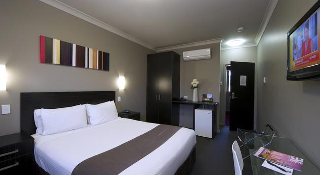 Best Western Blackbutt Inn - Newcastle - Bedroom