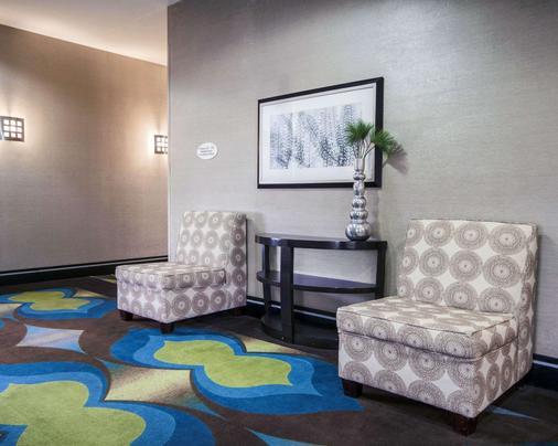 Comfort Inn & Suites I-10 Airport - El Paso - Lobby