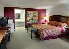 Econo Lodge Conference Center - El Dorado - Bedroom