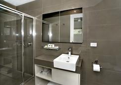Big4 Queenscliff Beacon Resort - Queenscliff - Bathroom