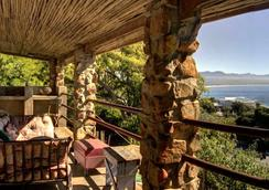 Stone Cottage Self-Catering Apartments - Plettenberg Bay - Patio