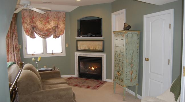 Cedar Gables Seaside Inn - Chincoteague - Living room