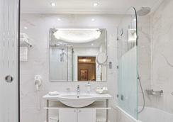 Ava Hotel & Suites - Athens - Bathroom