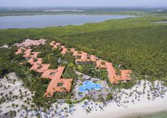 Natura Park Eco Beach Resort and Spa - Punta Cana - Building