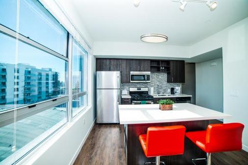 Ginosi Figaro Apartel - Los Angeles - Kitchen