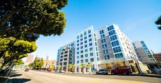 Ginosi Figaro Apartel - Los Angeles - Building