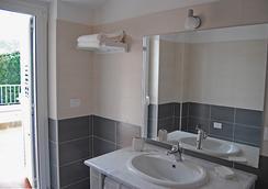 Residence Thalassa - Reggio Calabria - Bathroom