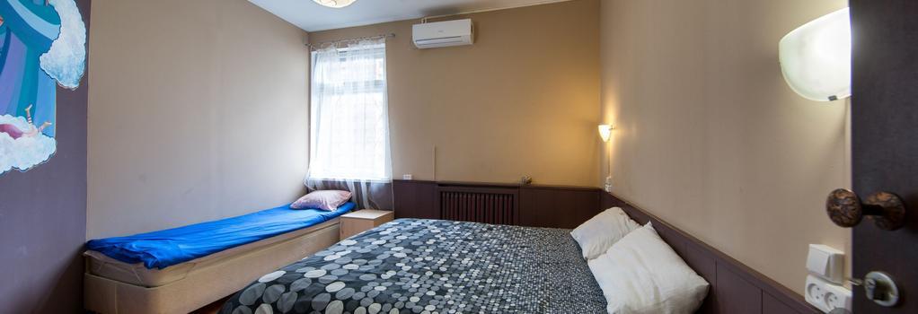 ID Hostel Soprano - Krasnodar - Bedroom