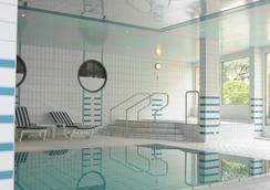 Hôtel Bristol & Spa - Montreux - Pool