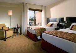 Courtyard by Marriott Rome Central Park - Rome - Bedroom