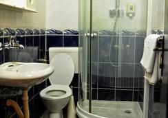Hotel Evropa - Podgorica - Bathroom