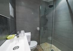 Hotel Oxford - Cannes - Bathroom