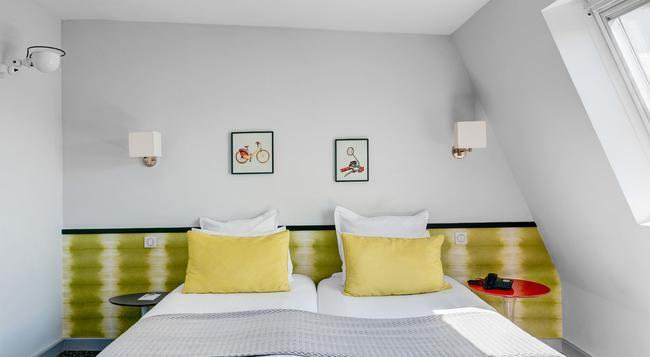 Hotel Acadia Astotel - Paris - Bedroom