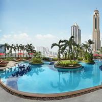 Amari Watergate Bangkok Pool
