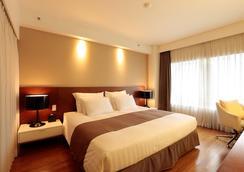 Best Western Premier Hotel Kukdo - Seoul - Bedroom
