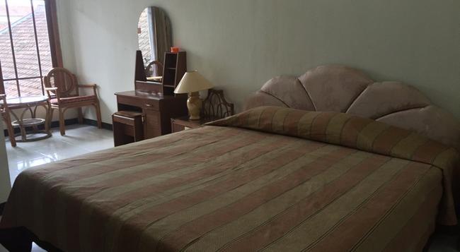 Cristalit Hotel - Yogyakarta - Bedroom