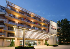 Kristal - Varna - Building