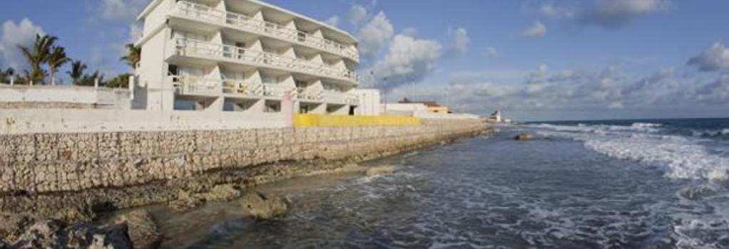 Hotel Rocamar - Isla Mujeres - Building