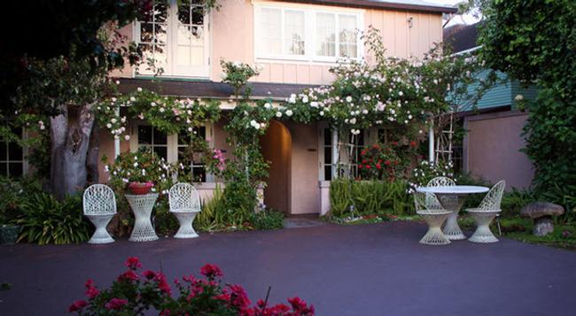 Martine Inn - Pacific Grove - Building