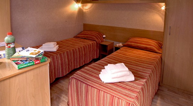 Flaminio Village Bungalow Park - Campground - Rome - Bedroom