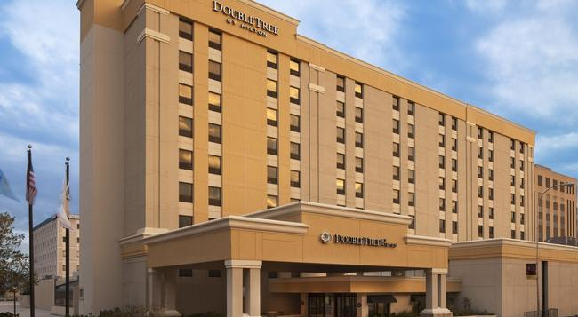 DoubleTree by Hilton Downtown Wilmington - Legal District - Wilmington - Building