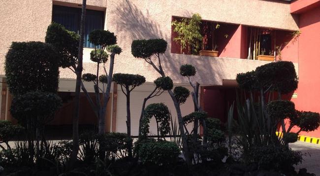 Hotel Tacubaya & Autosuites - Mexico City - Building