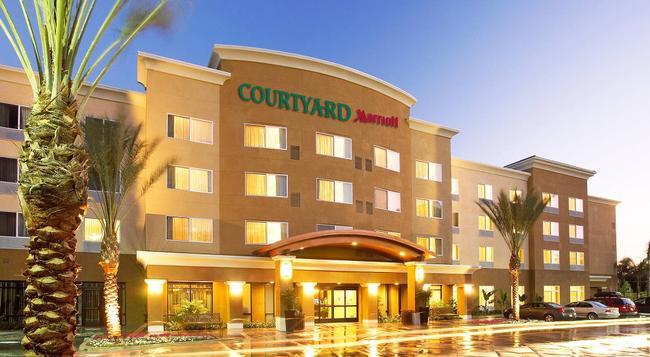 Courtyard by Marriott Anaheim Resort/Convention Center - Anaheim - Building