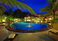 The Royale Gardens Hotel - Alappuzha - Pool