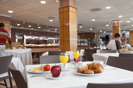 Hotel Peñíscola Palace - Peniscola - Dining room