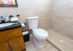 Solar Villa - Oranjestad - Bathroom