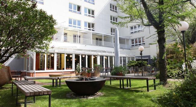 Hotel Grenzfall - Berlin - Building