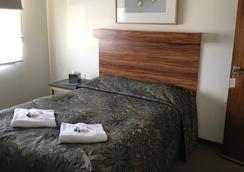 Iluka Motel And Restaurant - Apollo Bay - Bedroom