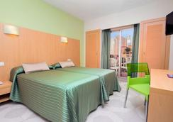 Hotel Servigroup Pueblo Benidorm - Benidorm - Bedroom