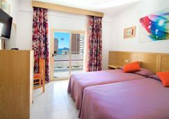 Hotel Servigroup Nereo - Benidorm - Bedroom