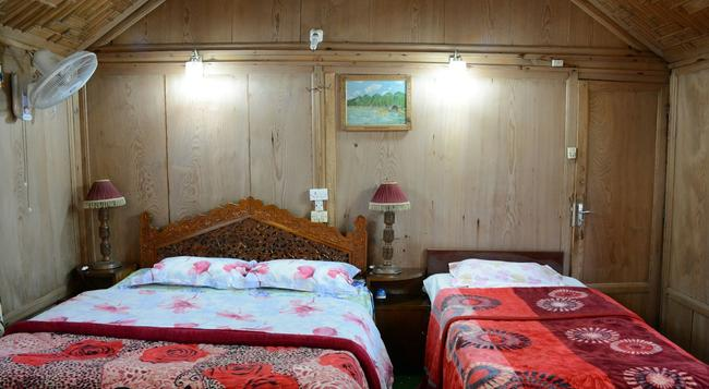 Houseboat Zaindari Palace - Srinagar - Bedroom