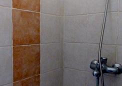 Chillpill Guest House - Mahebourg - Bathroom