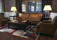 Ethan Allen Hotel - Danbury - Lobby