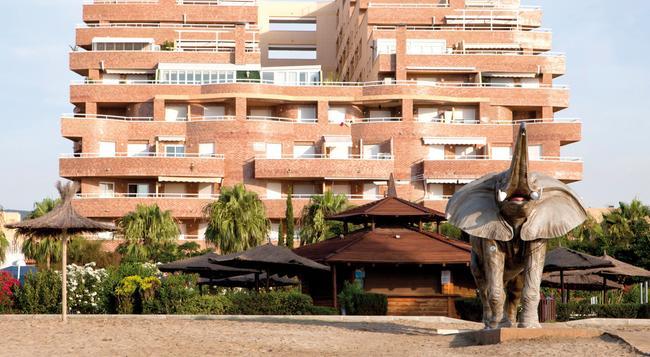 Apartamentos Turísticos Marina d'Or 2 Línea - Oropesa del Mar - Building