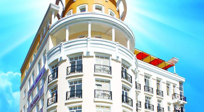 Mayak Hotel - Listvyanka - Outdoor view
