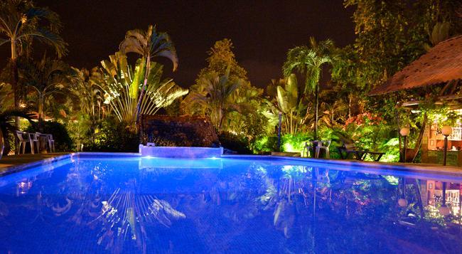 Hotel Villa Creole - Jaco - Pool