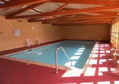 Surf City Inn & Suites - Santa Cruz - Pool