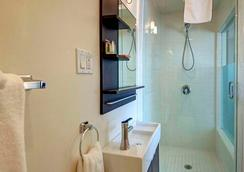 Sea View Inn At The Beach - Manhattan Beach - Bathroom