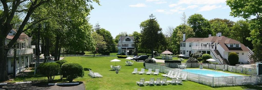 Shoreway Acres Inn & Cape Cod Lodging - Falmouth - Building