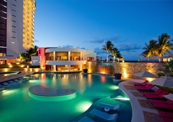 Krystal Grand Punta Cancun - Cancun - Pool