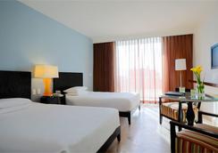 Krystal Grand Punta Cancun - Cancun - Bedroom